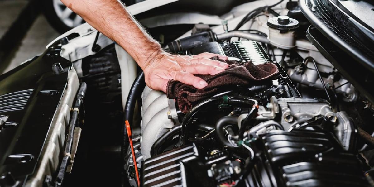 Почему двигатель стал громко работать – общие причины
